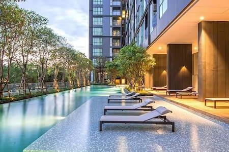 Luxury Condominium New 1BR swimming pool and Gym