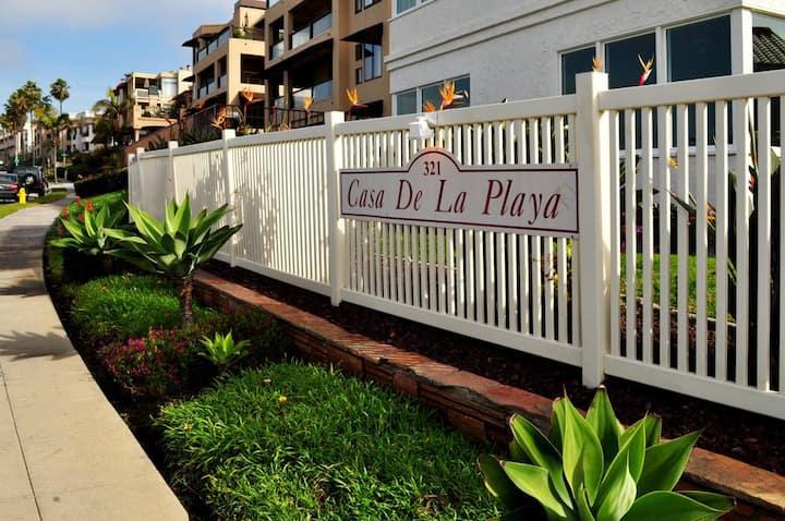 1BR condo Casa de La Playa across from beach