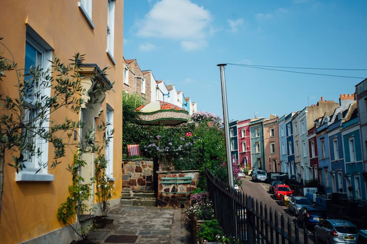 Colourful family home in Cliftonwood - Bristol - Talo