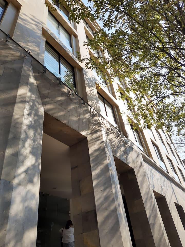 Convenient & spacious apartment in downtown Mexico