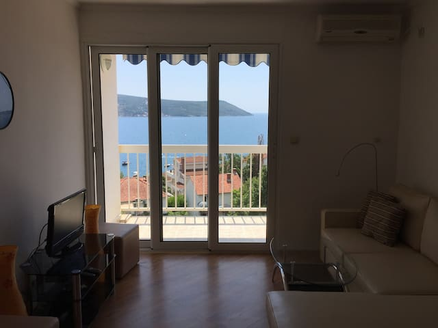 Apartment in Savina with a great view.