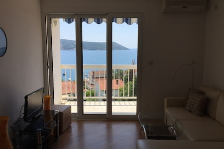 Apartment in Savina with a great view. - Herceg - Novi - Daire