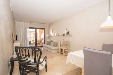 Beautiful front line beach apartment in Manilva - Apartment