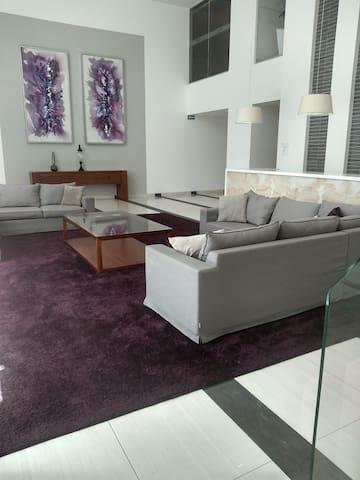 Penthouse Sonata Loft 1