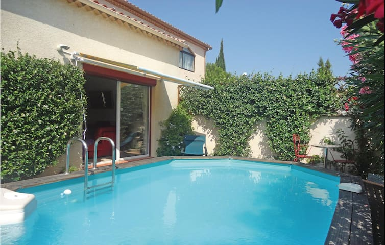 Holiday cottage with 2 bedrooms on 95m² in Villeneuve les Beziers