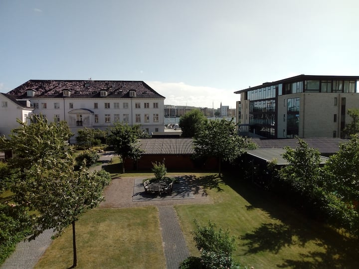 Fjordview apartment next to Aalborg city + airport