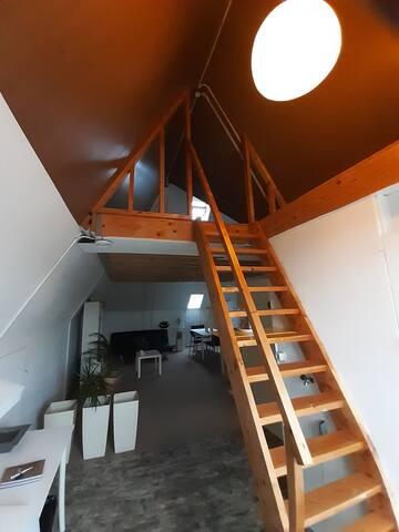 Ruim, stijlvol privé appartement Sneek centrum