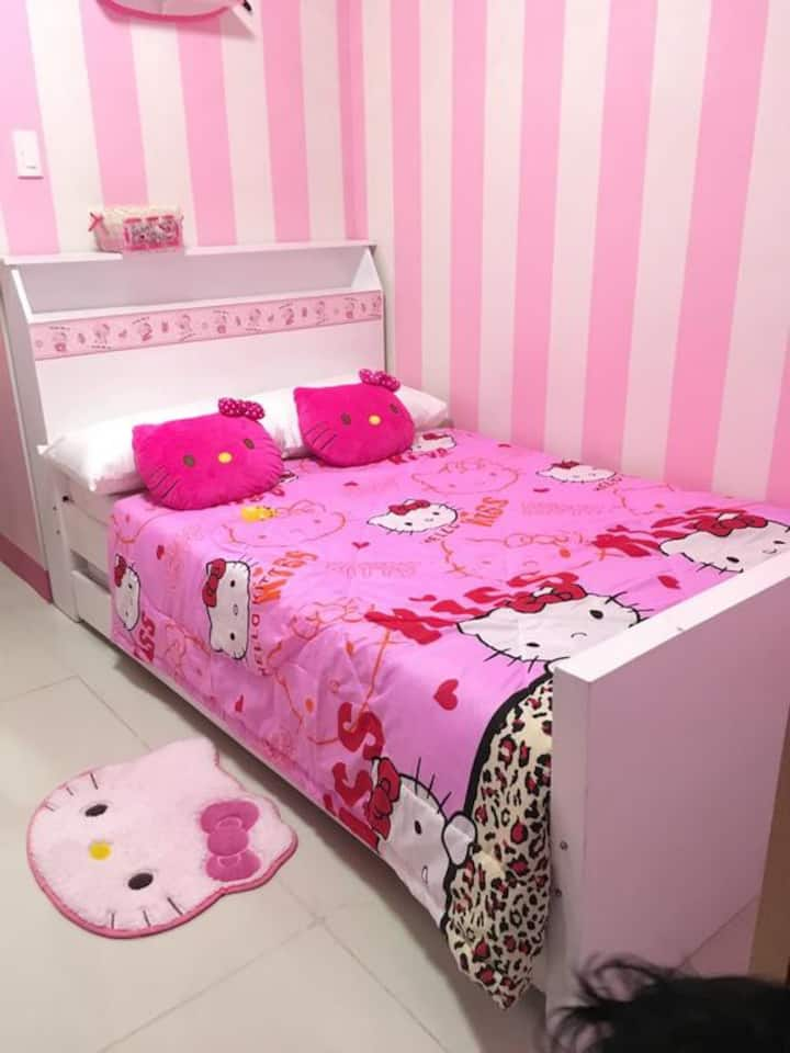 ichays hello kitty place
