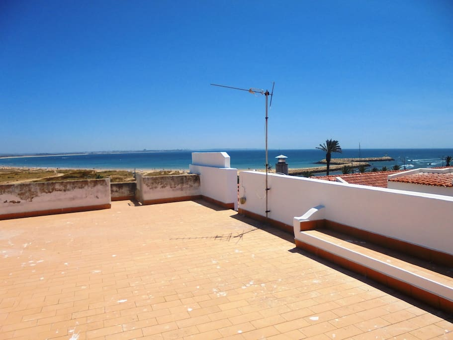 View of Lagos Bay and Meia Praia beach from the upper terrace