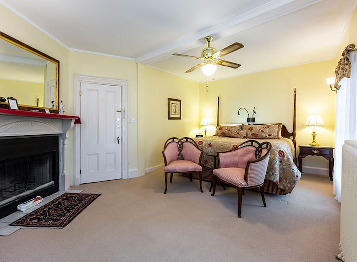 Bass Harbor Room