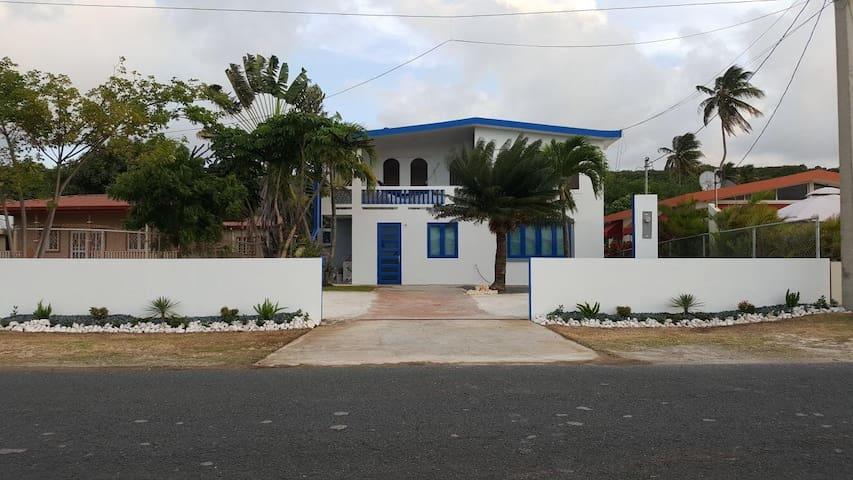 Casa Pachamama-First Floor Beach Studios!