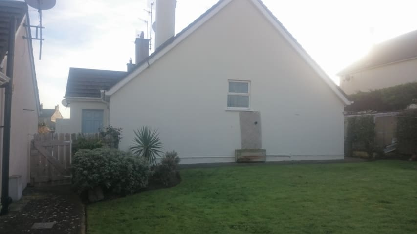 The Bawn Bettystown. Meath. Beach cottage.
