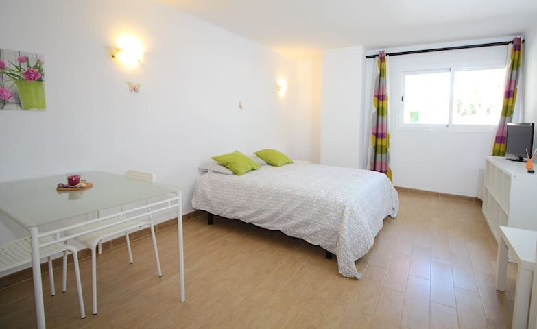 New Pretty Studio in El Arenal - El Arenal - Flat