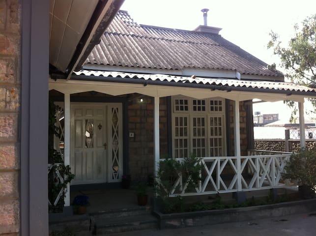 Russet Homestay - Shillong - House