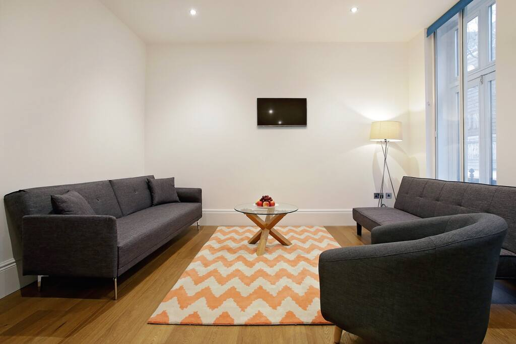 The cosy and spacious living area