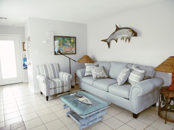 Tarpon Qtrs! King BR, Dog Friendly, Fall Rates!