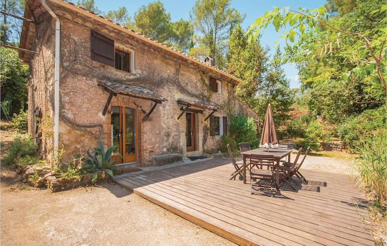 Holiday cottage with 3 bedrooms on 110m² in Grasse