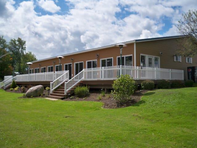 Wedding Venue on Cross Lake - Queen Mary