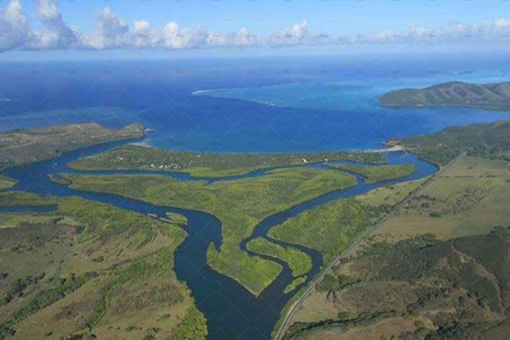 Maison entre plage et rivière (et sa mangrove)