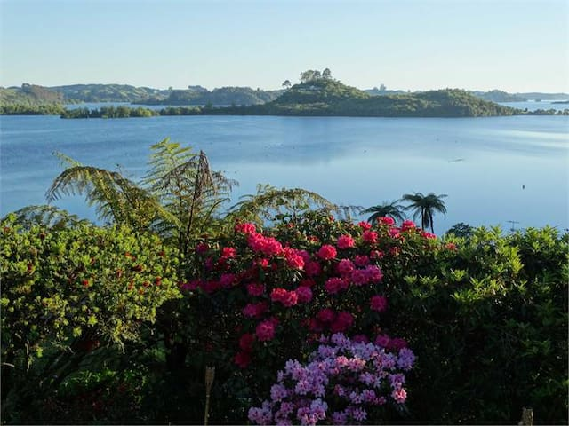 LAKE ROTOITI , OKAWA BAY,  ROTORUA,  ENTIRE  HOUSE