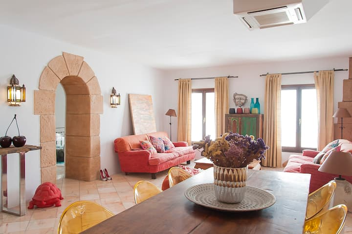 Cozy and spacious Apartment - Old Town of Ibiza
