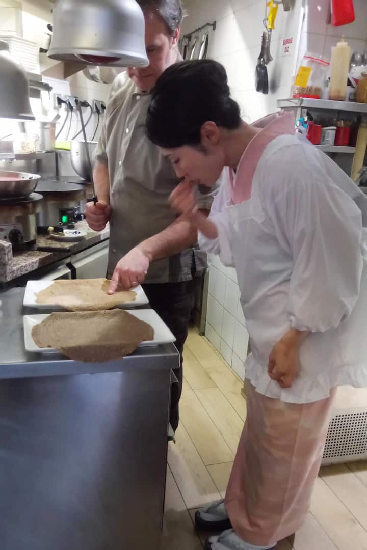 Japanese chef cooking