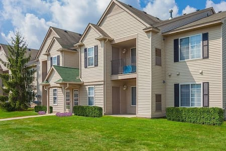 Great Auburn Hills location near The Palace & more - Auburn Hills - Apartamento