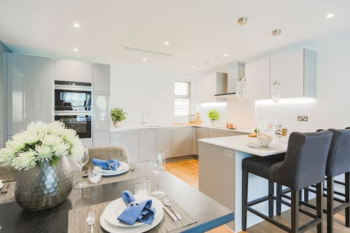 Stunning Luxury 3 bed Apartment in Golders Green