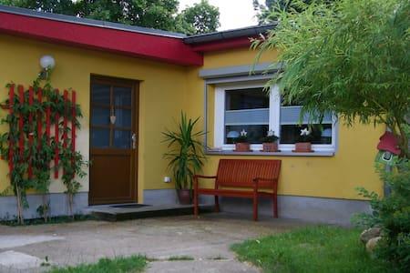 Ferienwohnung mit Garten - Berlijn
