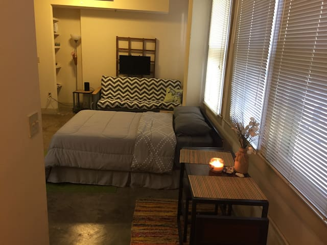 DOWNTOWN LOFT NEAR BAYFRONT - Corpus Christi - Apartment