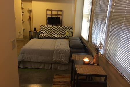 DOWNTOWN LOFT NEAR BAYFRONT - Corpus Christi - Appartement