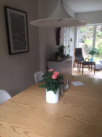 Beautiful family home close to both city & nature - Stockholm - House