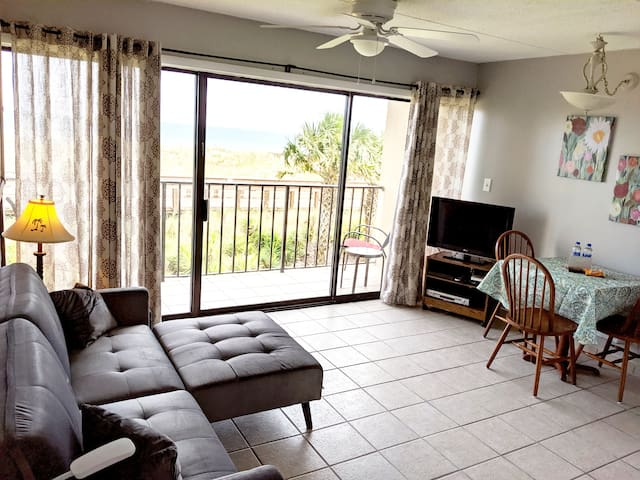 Carolina Beach Boardwalk Oceanfront Condo & Pool