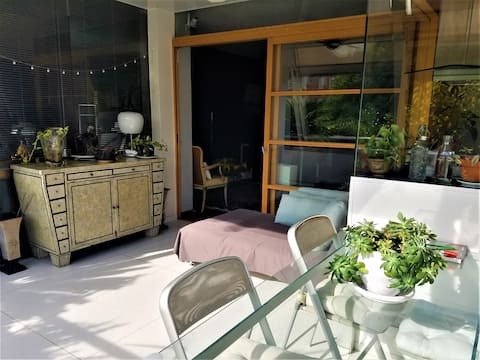 Doppelzimmer/eigenes Bad im Green Glass House
