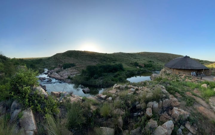 Tranquil river cottage