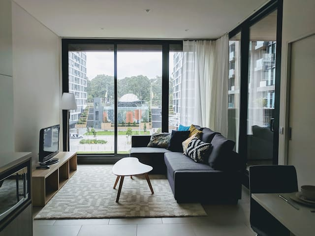 Brand new  1bdrm apartment, onsite North Ryde Stn