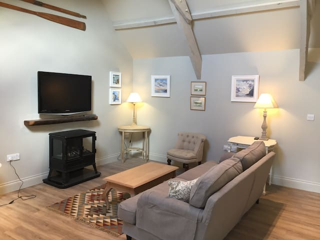 Beautiful newly converted hayloft - Yealmpton - Apartamento