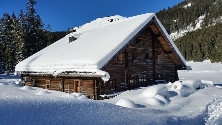 Einfach & Exklusiv! Die Postalm-Alpinhütte
