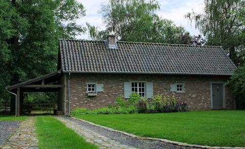 Útulný dovolenkový dom obklopený prírodou