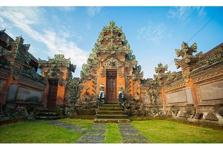 New Budha's Located in hearth of kuta
