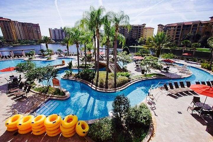 Orlando FL 2 BD Bonnet Creek In Gates Disney World
