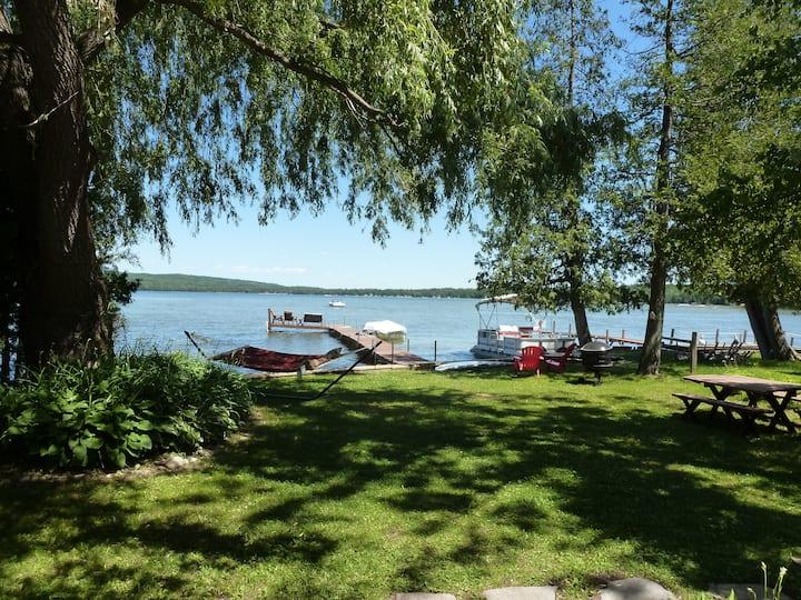 Beautiful Petoskey Lakefront home on Pickerel Lake