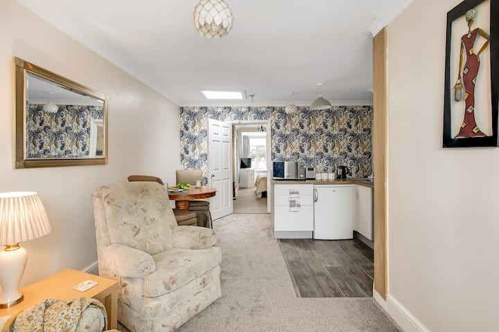 Penthouse suite/Self catering apartment