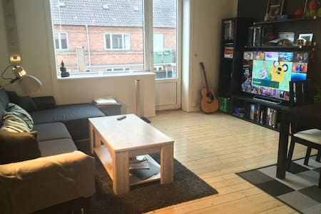 1 Bedroom apartment with balcony in Valby - København