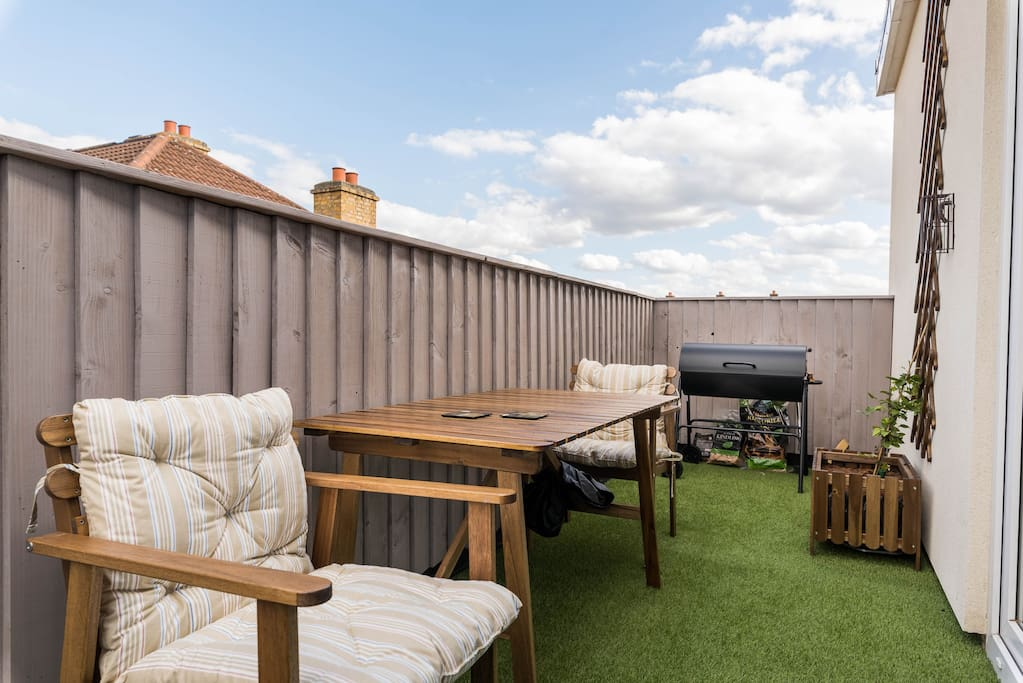 The balcony with City views and bbq