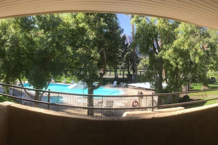 Palm Springs Mountain & Pool View Condo Suite - Palm Springs