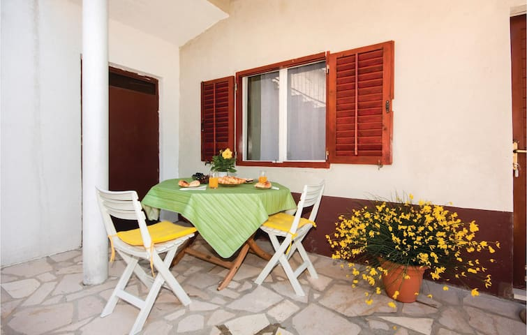 Holiday apartment with 1 bedroom on 37m² in Sibenik