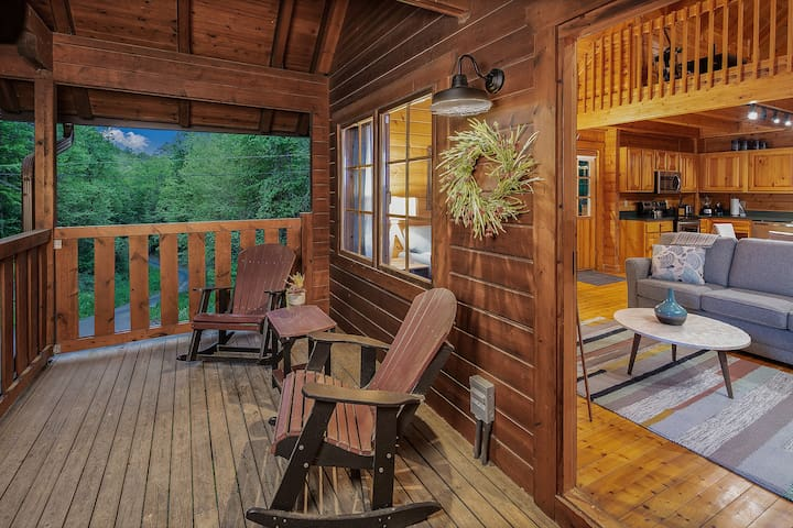 Elegantly Designed Cabin Minutes From Dollywood