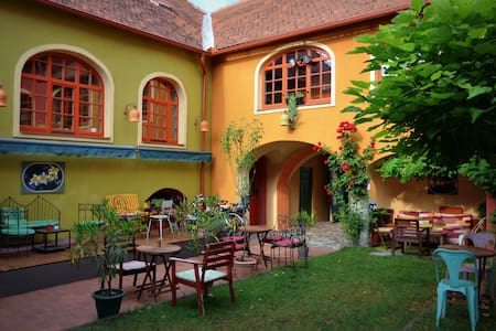 muziKafe B&B, Home of CULTure - Ptuj - Bed & Breakfast