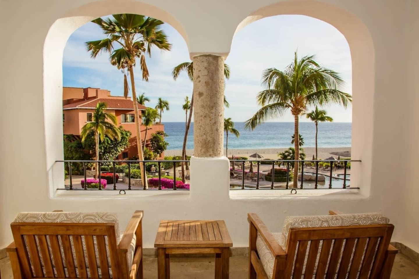 Sit back and relax in our bright and elegant Los Cabos Retreat on the oceanfront!